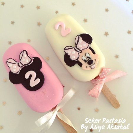 Minnie Mause Cakesicle 2