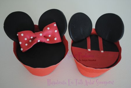 Mickey-Minnie Mause Cupcake